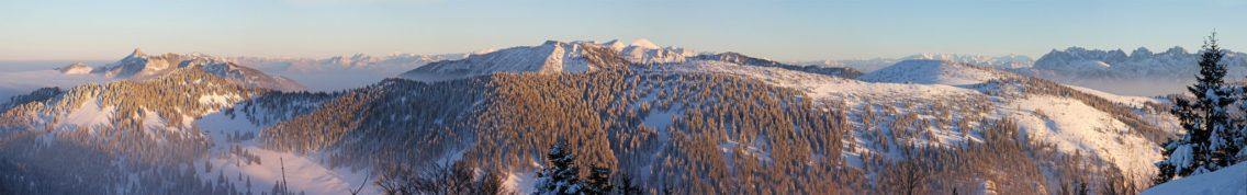 Blick auf das Chiemgau mit Kampenwand