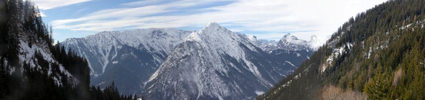 Aufstieg mit Blick auf das Karwendel
