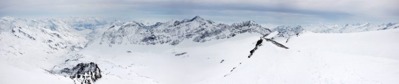 Gipfelpanorama an der Kristallwand (3.329m)