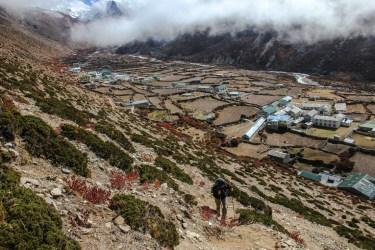 Aufstieg auf den ersten Bergrücken hinter Dingboche