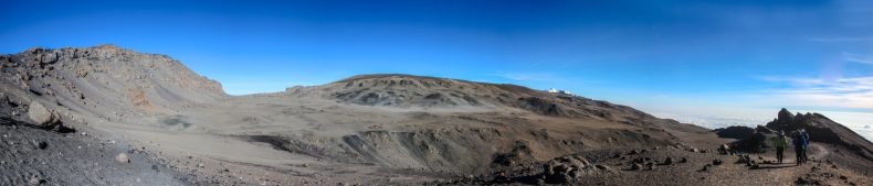 Der Krater am Uhuru Peak (links)