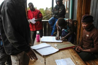 Registrierung am Mweka Camp
