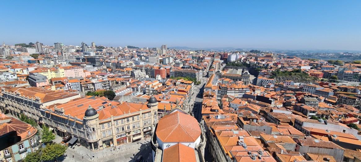 Blick vom Torre dos Clérigos auf Porto