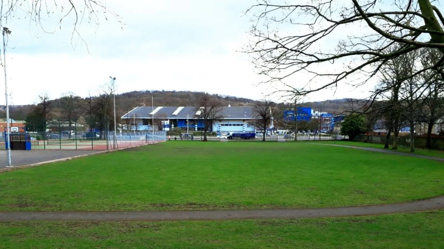 Hillsborough Park, Penistone Road