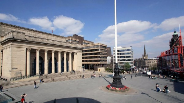 Barkers Pool, Sheffield City Hall and the Cenotaph