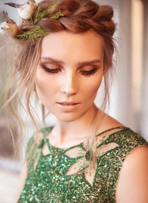 11 Makeup Ideas For Green Dresses To