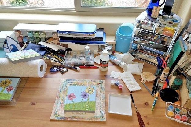Messy Desk, SMD.