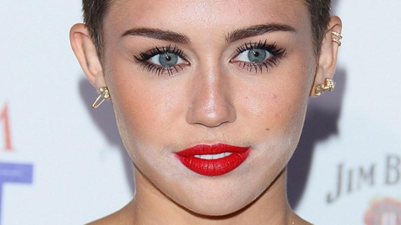 12 Worst Celebrity Powder Flashback Makeup Image Getty Images