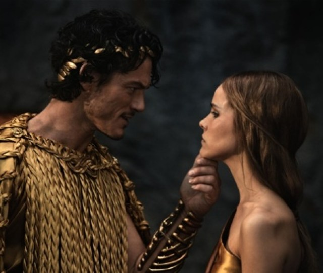 Luke Evans And Isabel Lucas In Immortals