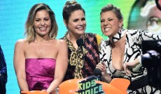 The 'Fuller House' Cast Vows They Will 'Stick Together Through the Hard Times'