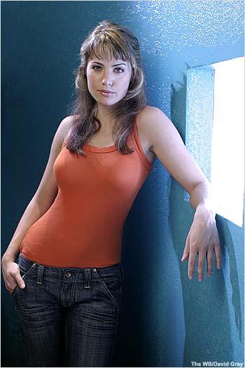 Erica Durance - Smallville's Lois Lane
