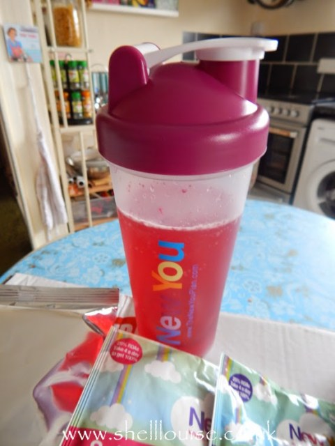 New You Diet Review - berry blast water flavouring