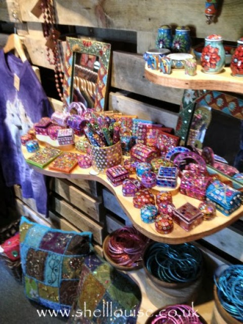 Otherworldz - lots of sparkly and glittery things!