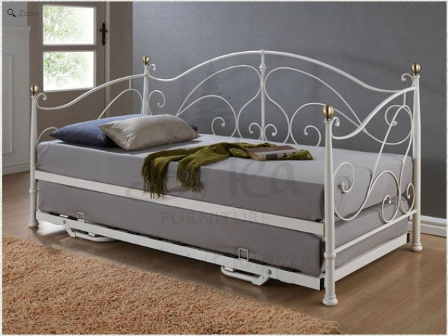 bedroom makeover plans - day bed