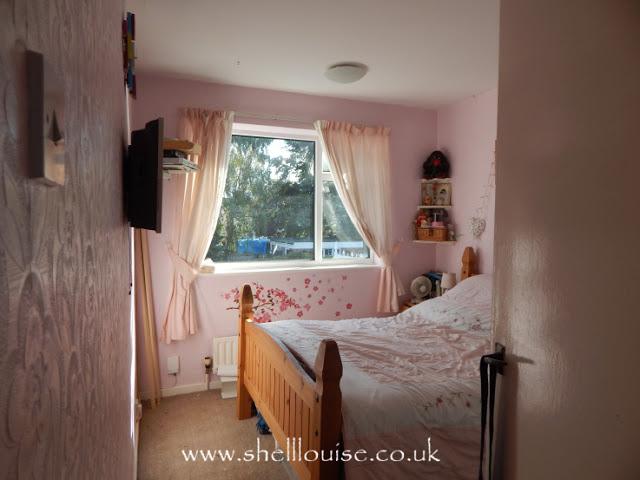 Bedroom makeover challenge - Bedroom before