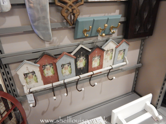 Home Sense - Coat hooks with places for each person's photo
