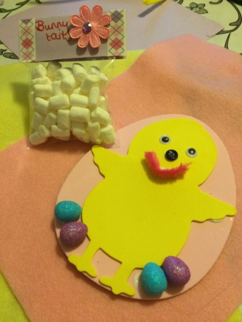 Easter crafts bunny tails bag and Easter chick card - Easter activity