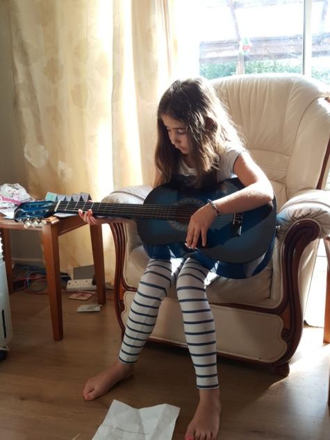 Ella's new guitar