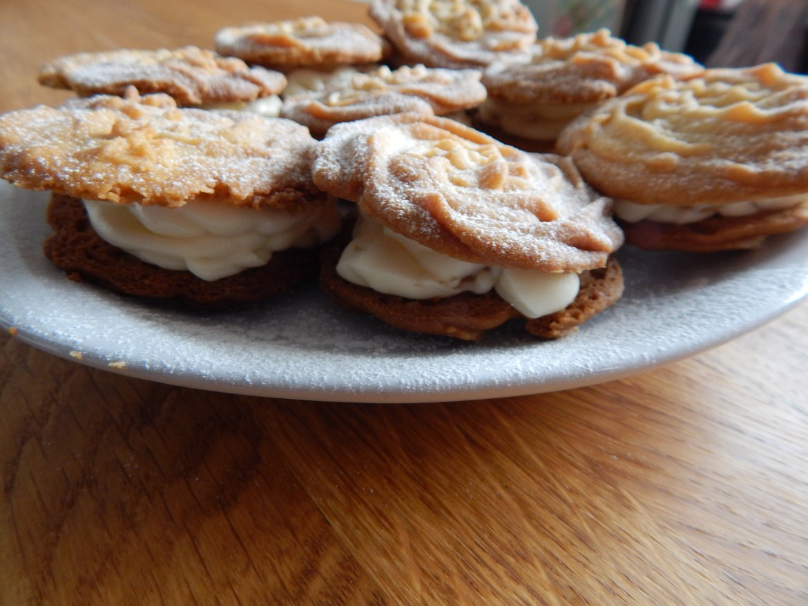 Ginger Viennese whirls with ginger buttercream