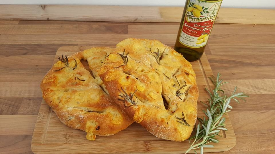 red onion, gruyere and rosemary fougasse