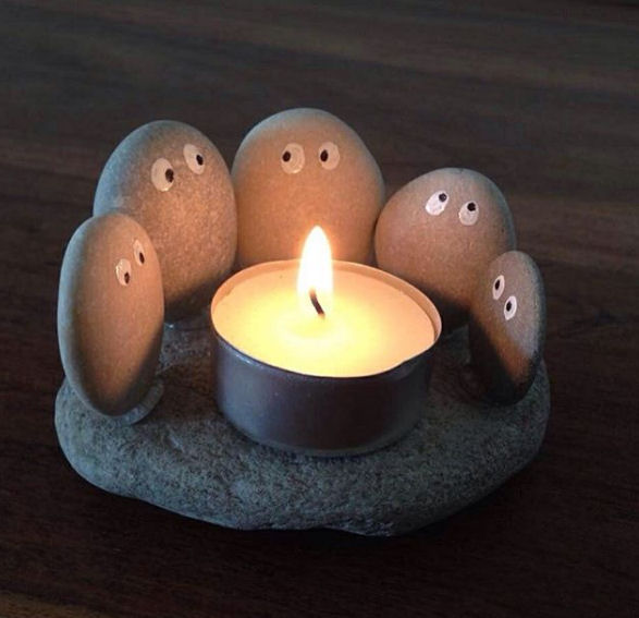 rock family candle holder
