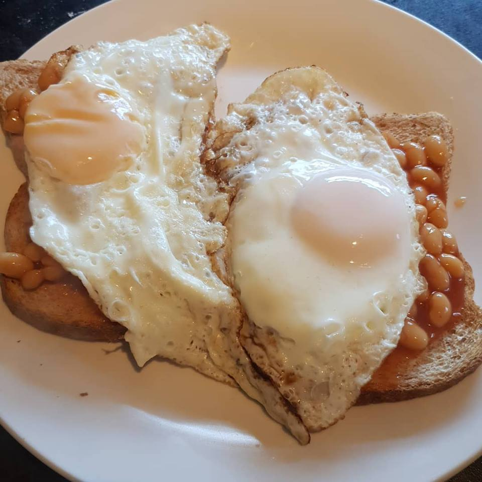 Lunchtime beans and fried agg on toast