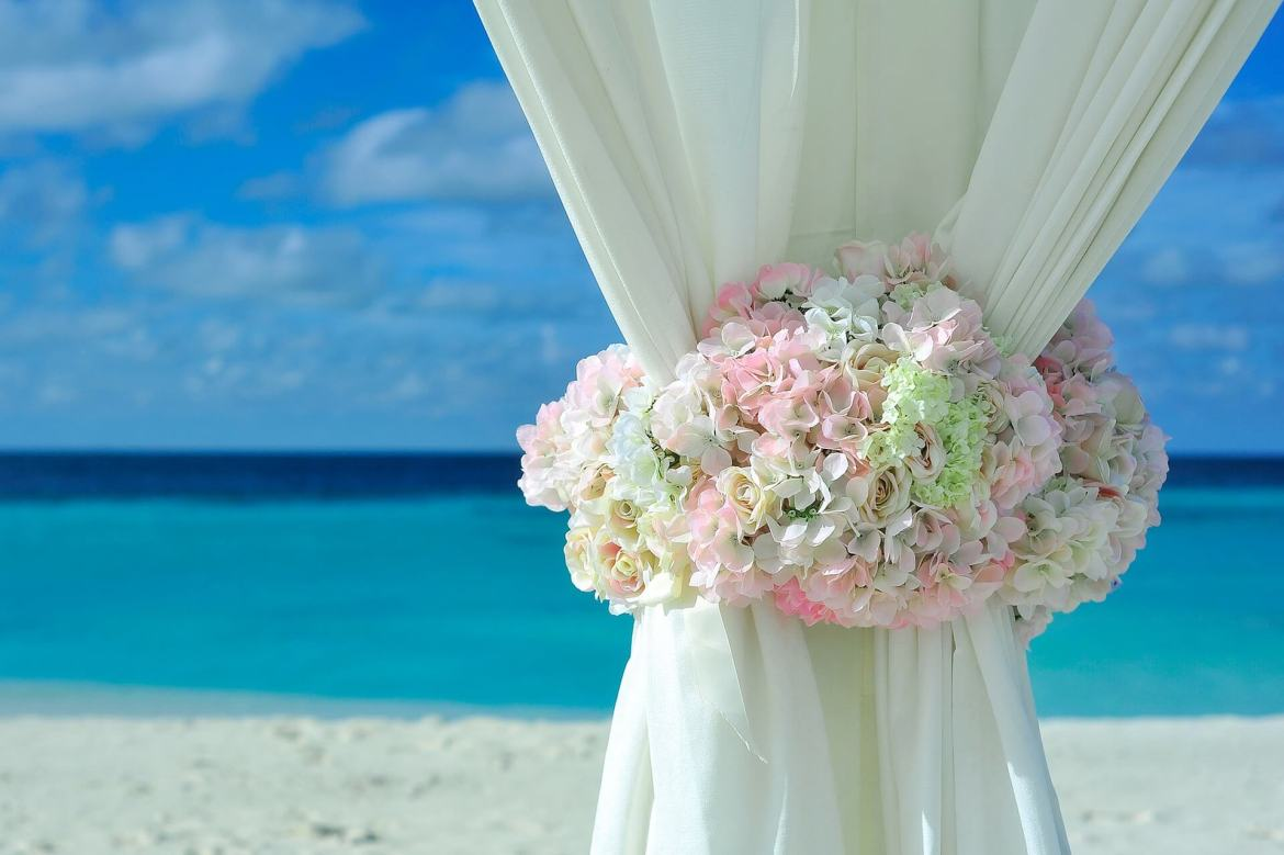 beach summer wedding
