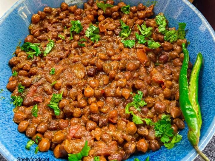 Sukha kala chana recipe (dry black chana)