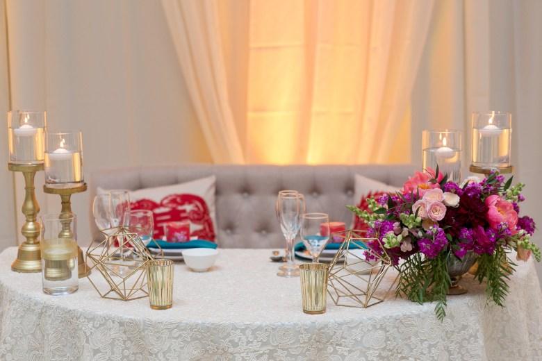 modern chinese wedding sweetheart table