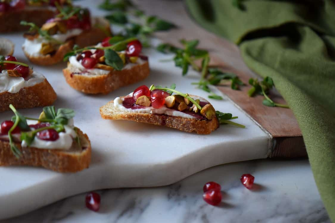 The crostini recipe on a serving platter.