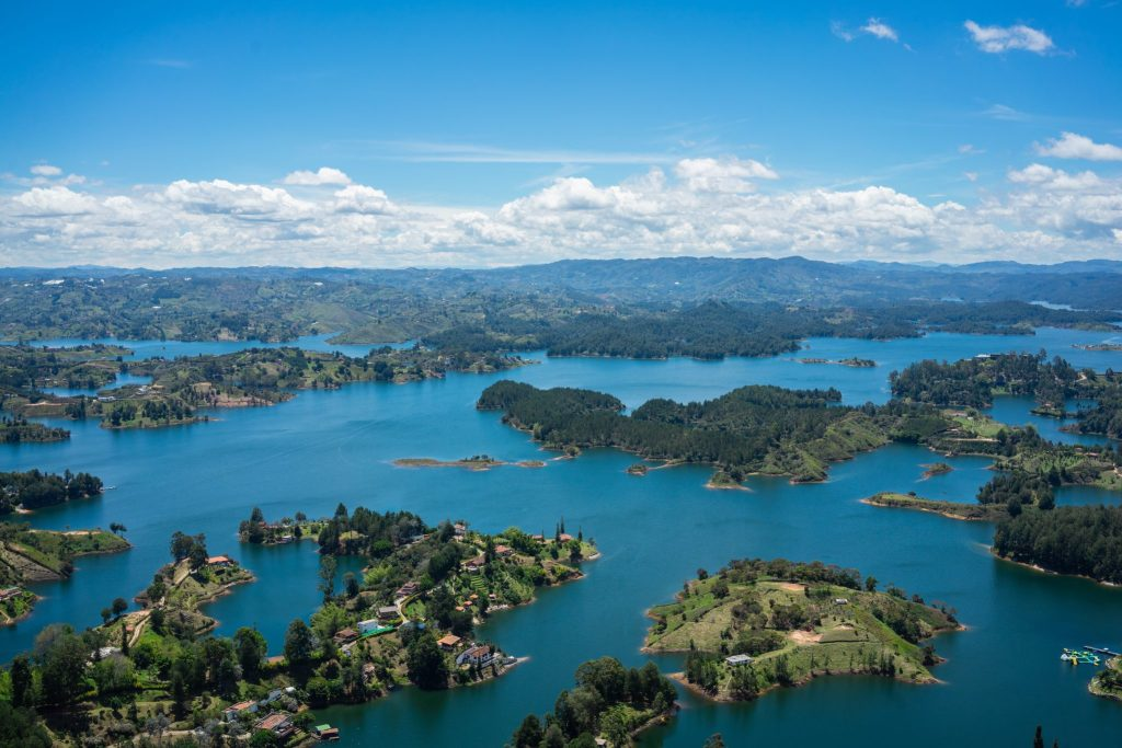 guatape colombia views