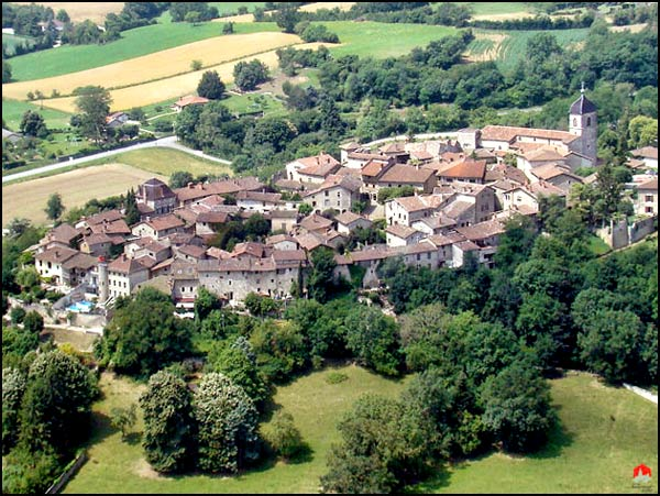 perouges-ariel-view