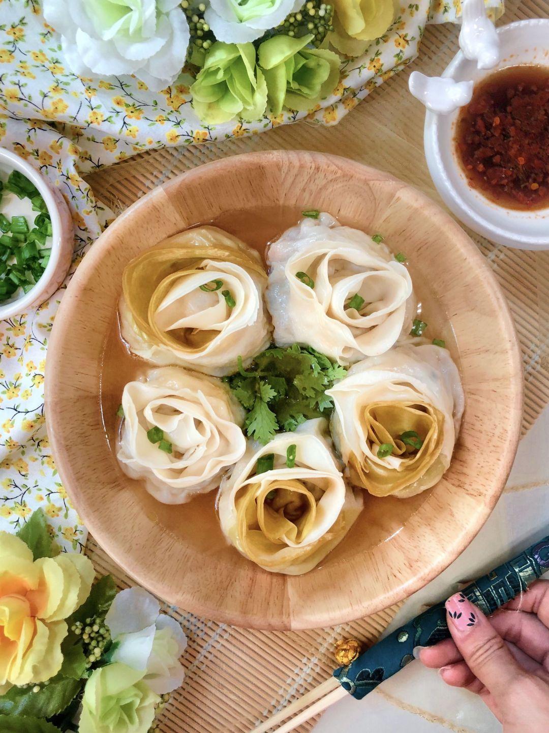 Rose Shape Dumplings