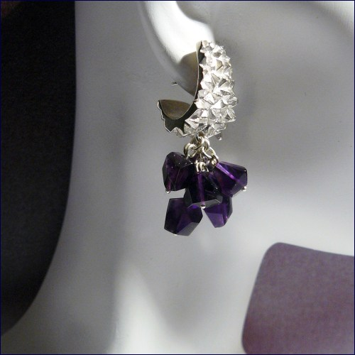 Crystalline Curve earrings with amethyst