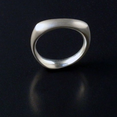 The Knucklebone ring