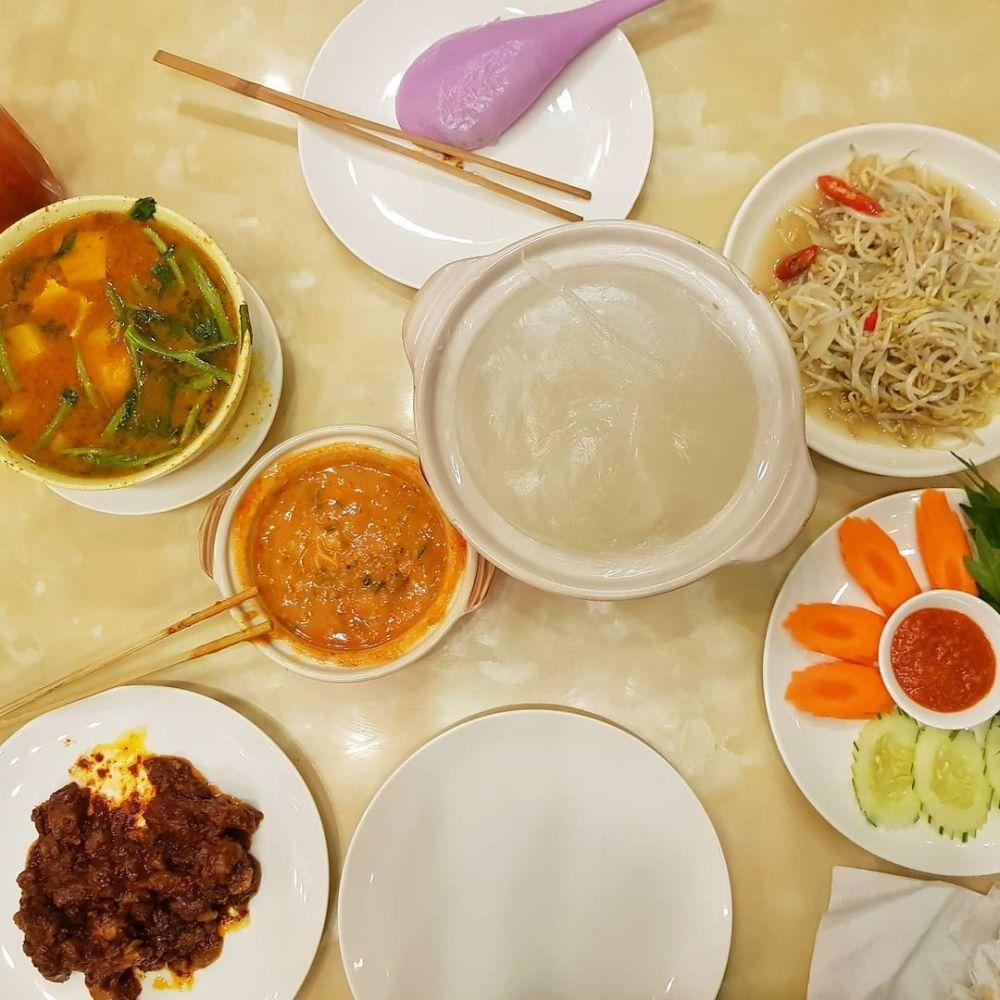 SOUTHEAST ASIA FOOD: Local Brunei Food (Ambuyat, Beef Rendang, etc)