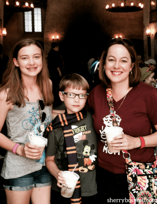 Butterbeers at the Leaky Cauldron