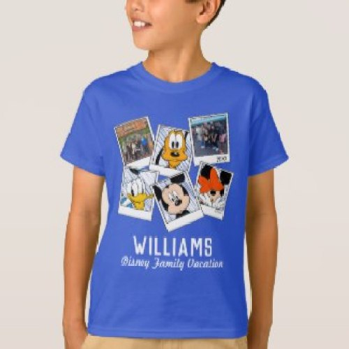 disney_family_vacation_selfies_mickey_friends_t_shirt-r25633881097446deb2e6e21b44384db1_65oh0_1024