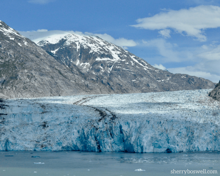 8 Do's and 1 Don't on Alaska cruise | Alaska cruises are famous for glacier viewing, and the up close view of Dawes glacier at Endicott Arm on the Disney Wonder was amazing!