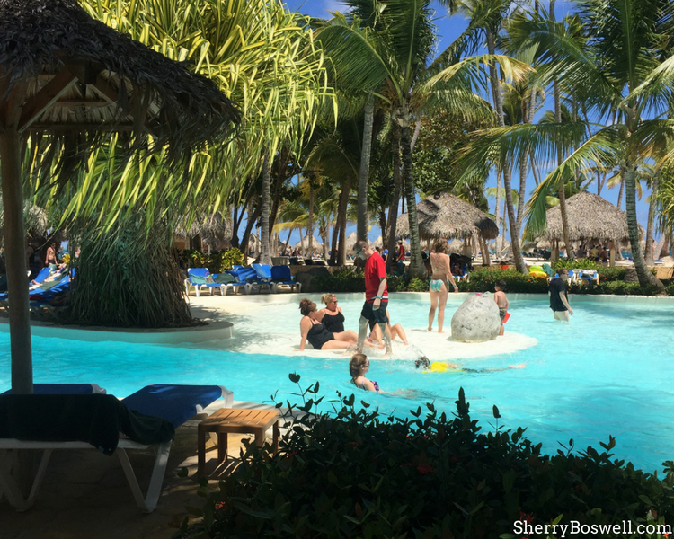 Things to Do with Kids in the Dominican Republic | gorgeous pool views overlooking the ocean