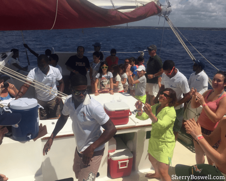 Things to Do with Kids in the Dominican Republic includes catamaran sail. Snorkeling, island hop to Catalina Island and dance the day away!