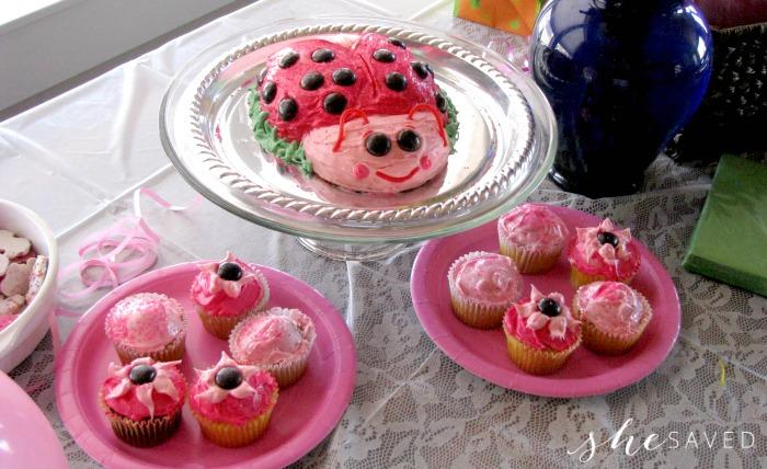 Ladybug cake party