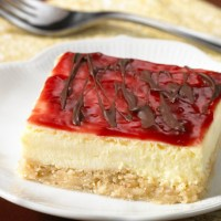Holiday Recipes: Chocolate Raspberry Cheesecake Bars