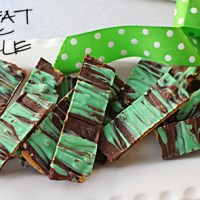 Mint Chocolate Peanut Butter Grahams | Perfect for St Patricks Day