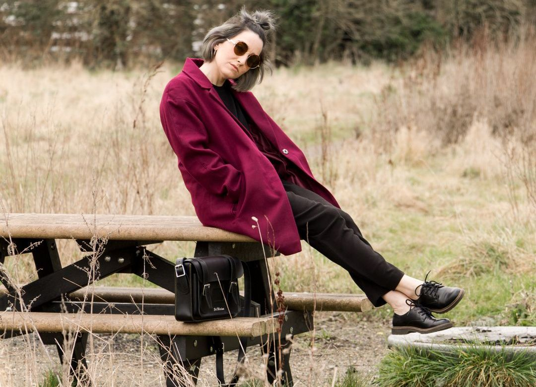 She talks Glam | Masculine Maroon Coat and all black underneath
