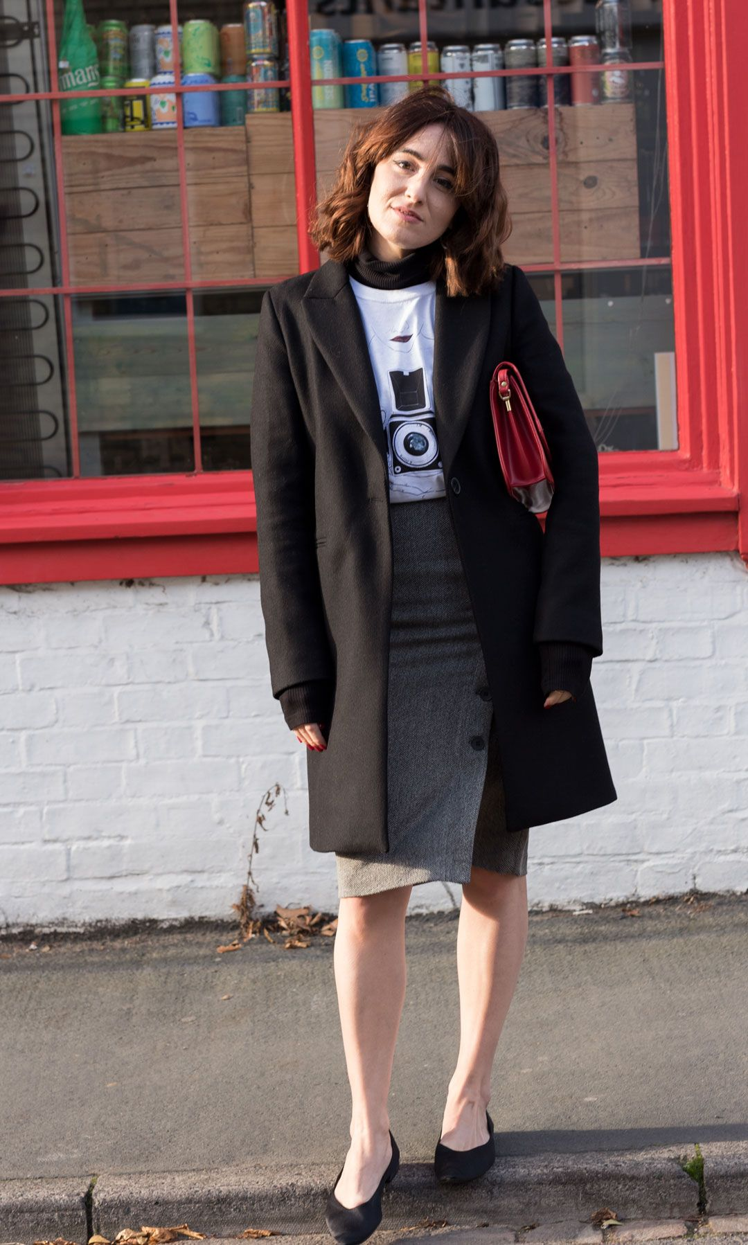 The feminist tee you need in your wardrobe   White printed tee   Teresa Pon La Mesa Drawings   #effortlesschic   #casualchic   #herringbone #pencilskirt   Classic black coat   Pointed flats   #winterfashion   #falllook   #autumnlook   Independent artists in fashion   #cottontshirt   How to wear a printed tee in a classy way   She talks Glam   Saida Antolin   #UKblogger   #kneelengthskirt   #classyoutfit   #parisianstyle   #whitetee   #T-shirt  white tee