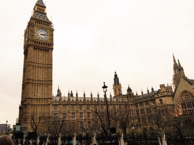 < London Big Ben >