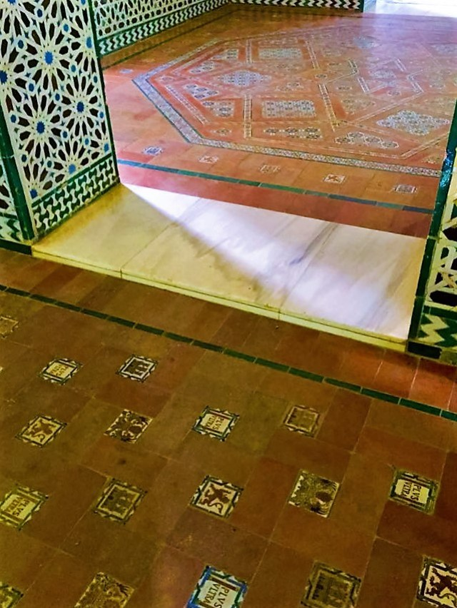 < Moorish and Christian tiles next to each other >