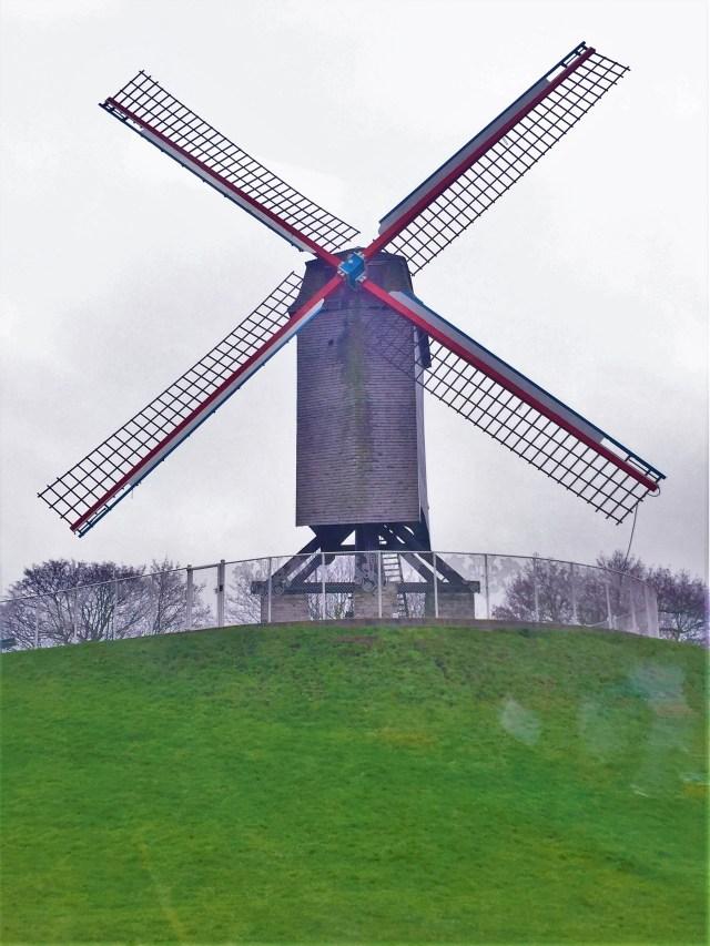 < Windmill >