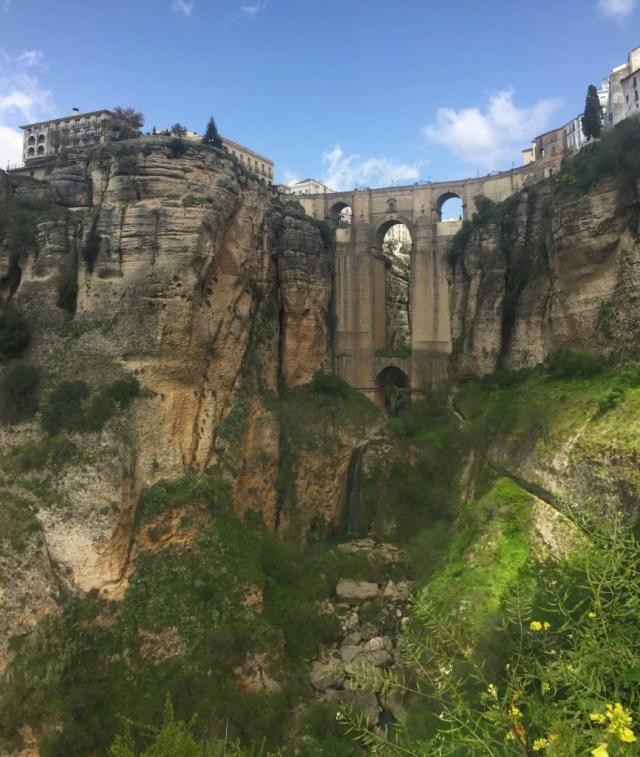 < Puente Nuevo >
